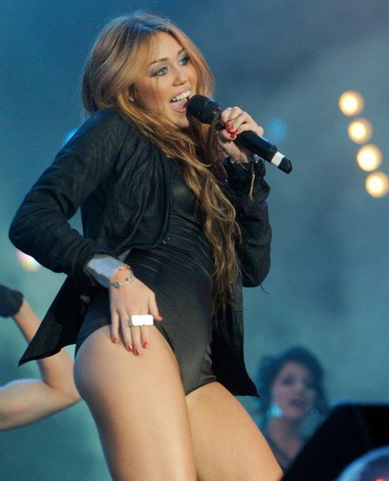 Miley Cirus new style Miley_11