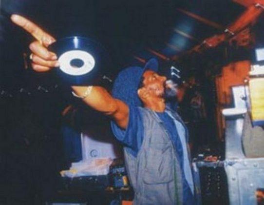Jah Shaka Sound System - 70'lerden günümüze Zulu Warrior 550-m-10
