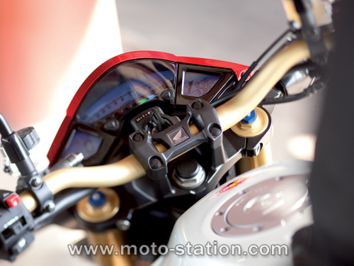 Evolution de la CB1000R en 2011 Honda_11