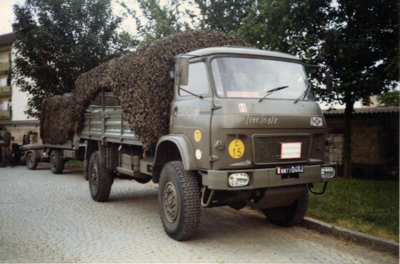 Camions de l'Armée - Page 2 04-06-10