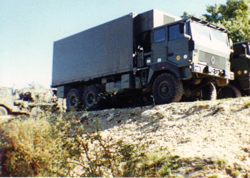 Camions de l'Armée - Page 2 04-06-17