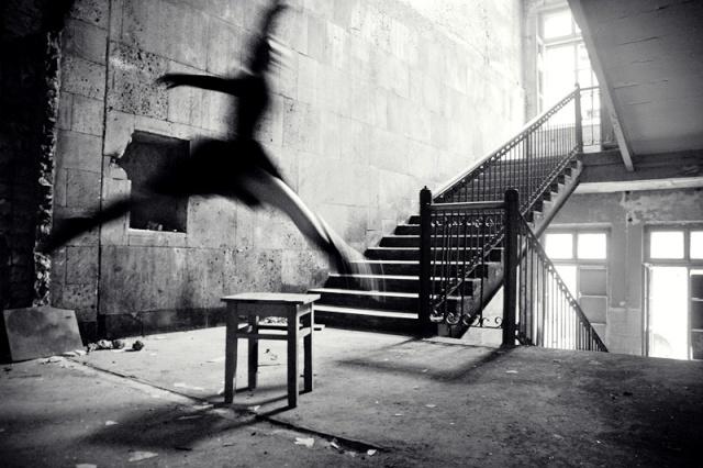 Crno-bela fotografija Flying11