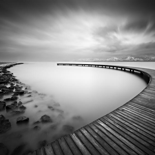 Crno-bela fotografija Never_10
