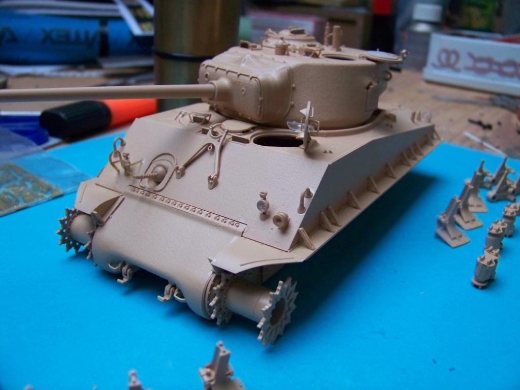 Sherman M4A3E8 easy eight de RFM AU 1/35 - Page 2 100_4741