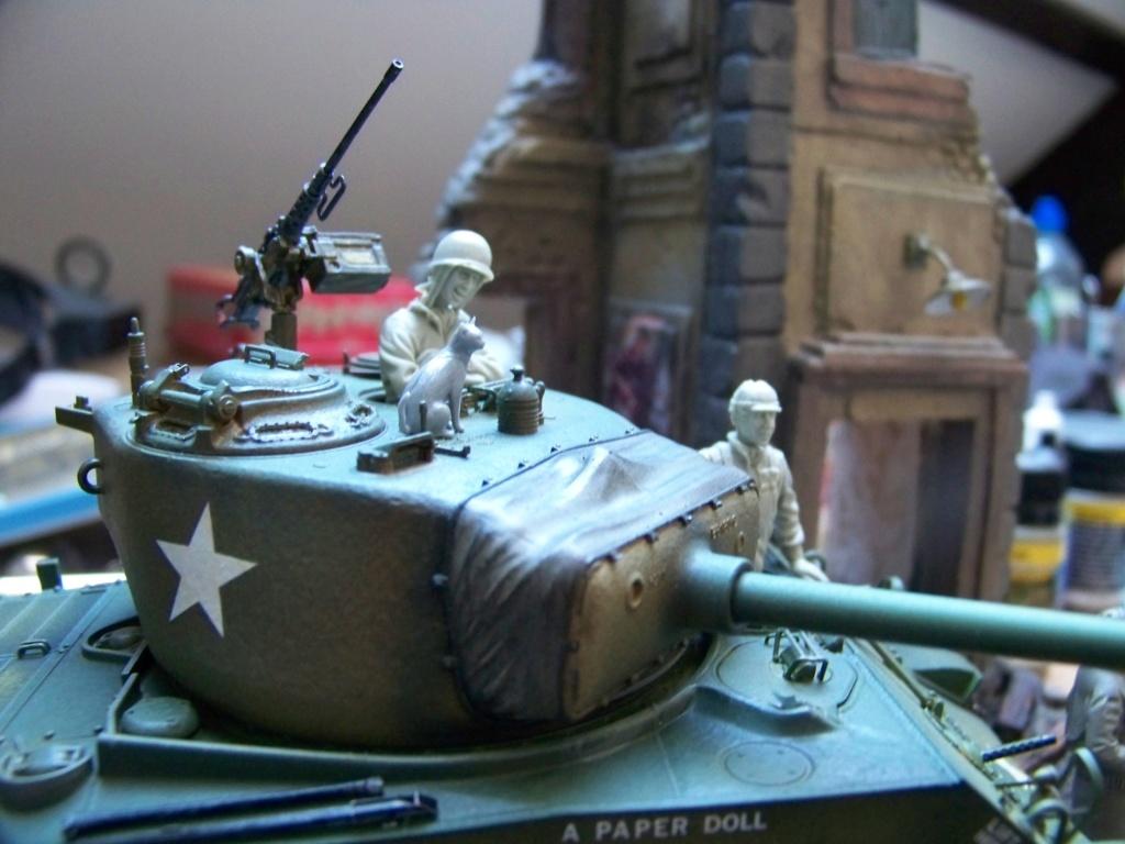 Sherman M4A3E8 easy eight de RFM AU 1/35 - Page 5 100_4911
