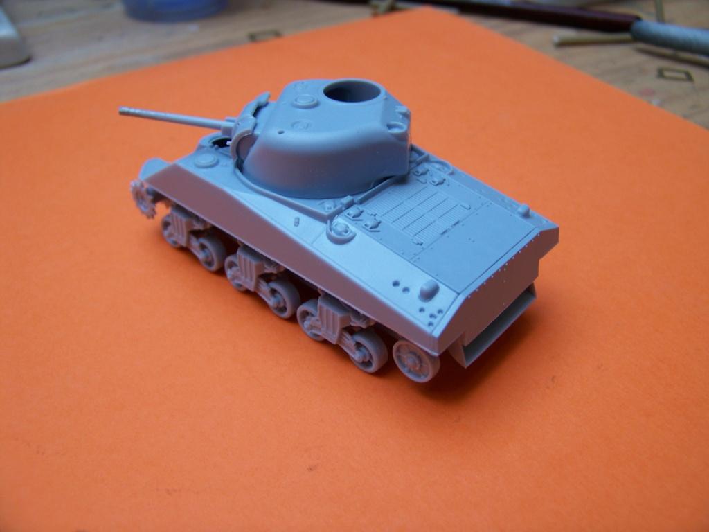 Sherman M4A2 au 1/72 de Heller  - Page 2 100_5433