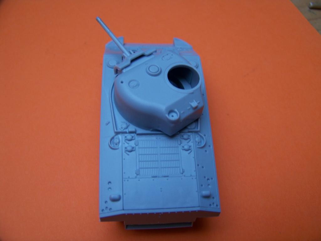 Sherman M4A2 au 1/72 de Heller  - Page 2 100_5435