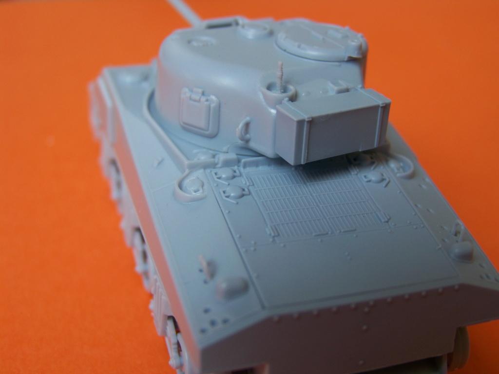 Sherman M4A2 au 1/72 de Heller  - Page 3 100_5439