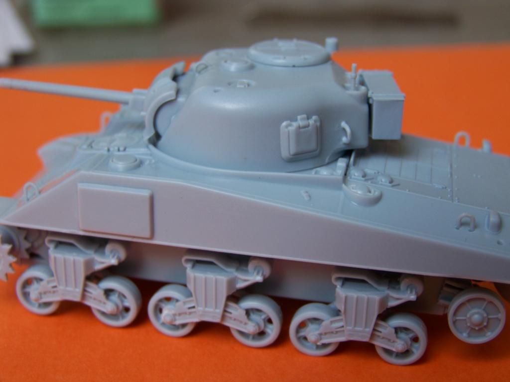 Sherman M4A2 au 1/72 de Heller  - Page 3 100_5440