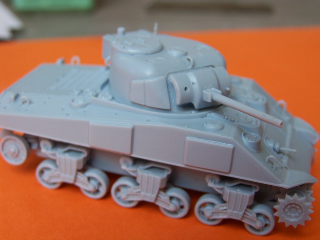 Sherman M4A2 au 1/72 de Heller  - Page 3 100_5441