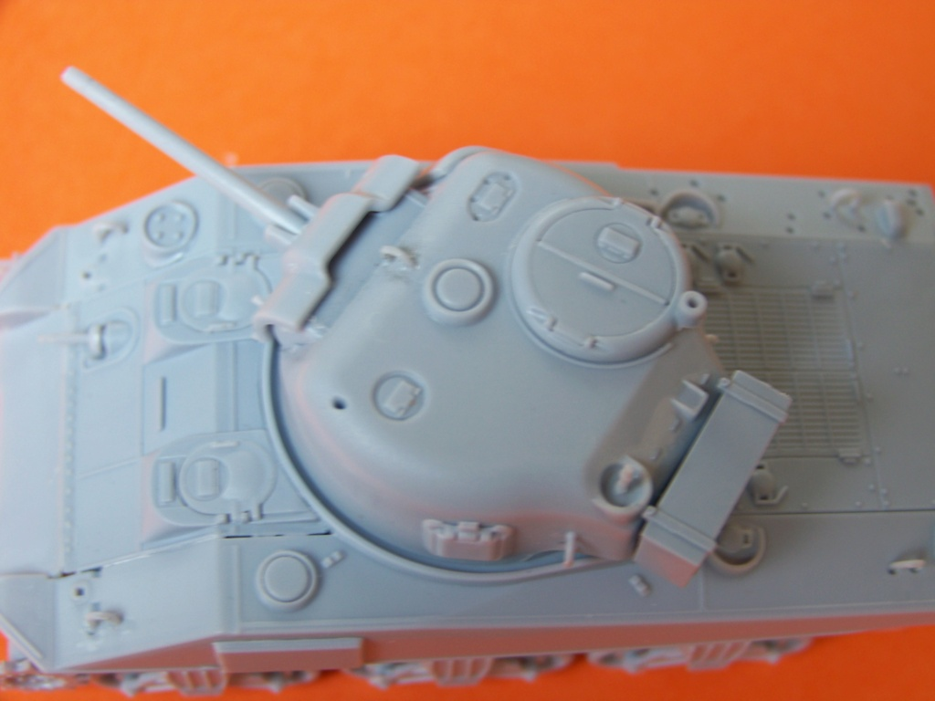 Sherman M4A2 au 1/72 de Heller  - Page 3 100_5444