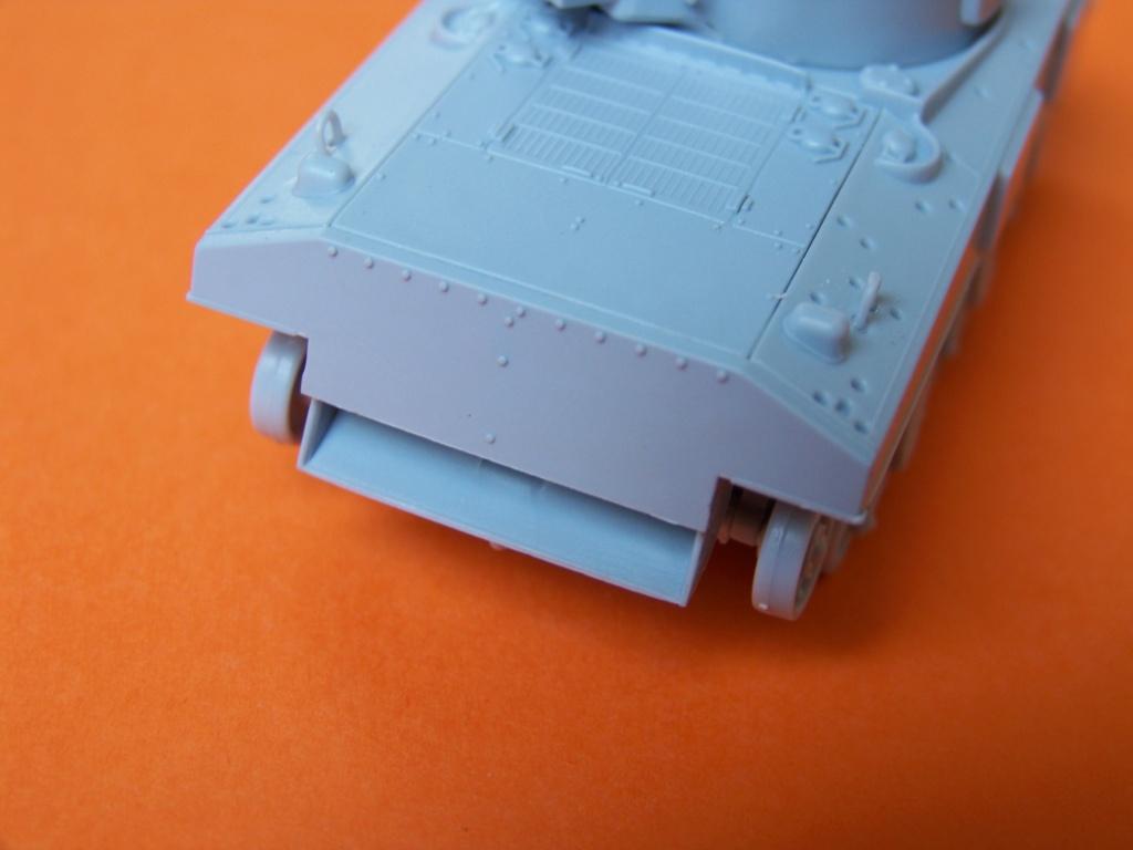 Sherman M4A2 au 1/72 de Heller  - Page 3 100_5445