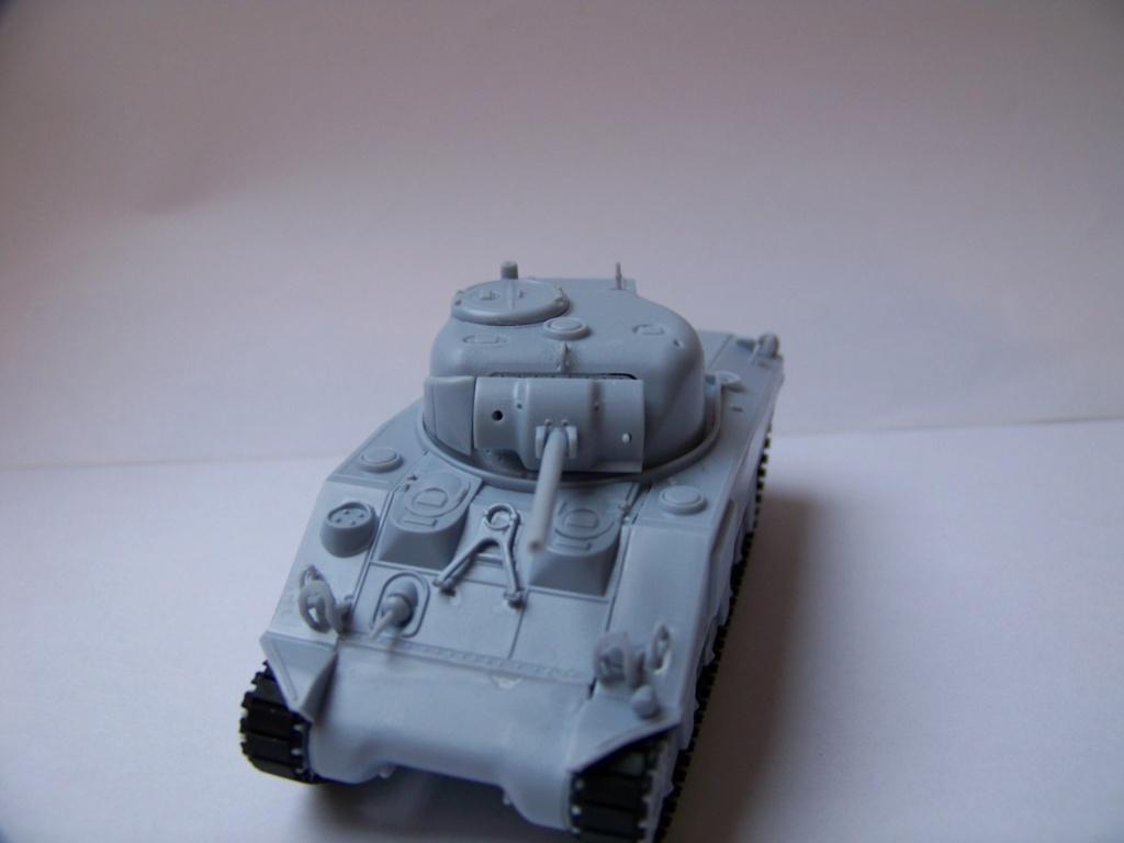 Sherman M4A2 au 1/72 de Heller  - Page 3 100_5614