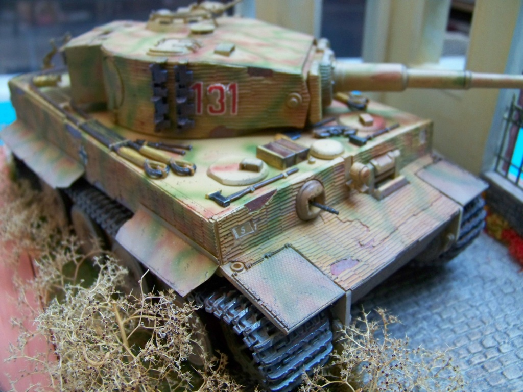 Tiger I milieu production au 1/35 de tamiya  - Page 5 100_5837