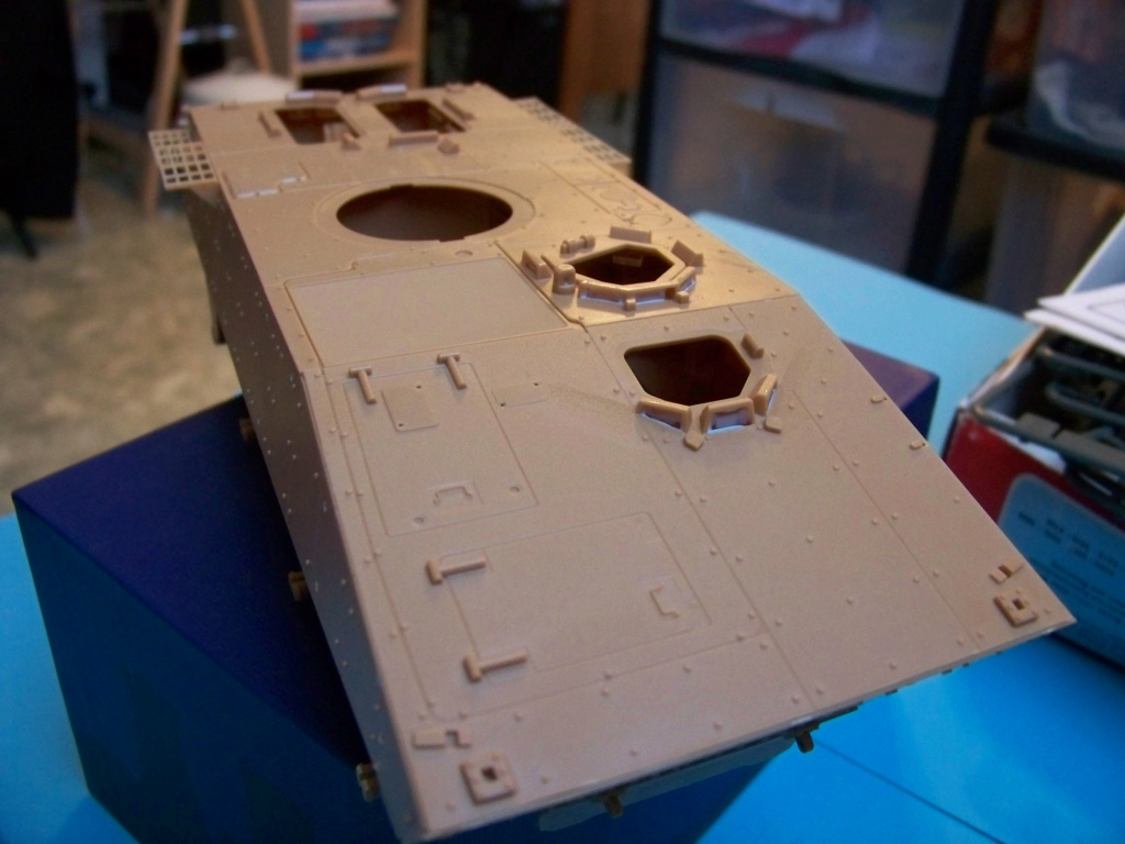 le véhicule blindé de combat ou VBCI de Heller au 1/35 102_6048
