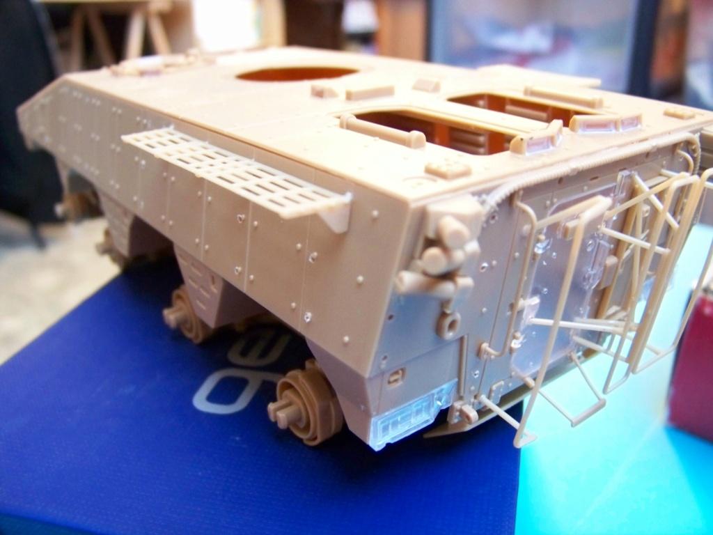 le véhicule blindé de combat ou VBCI de Heller au 1/35 102_6050