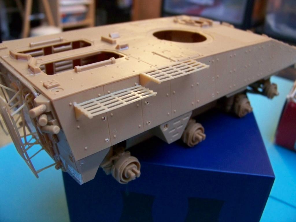 le véhicule blindé de combat ou VBCI de Heller au 1/35 102_6051