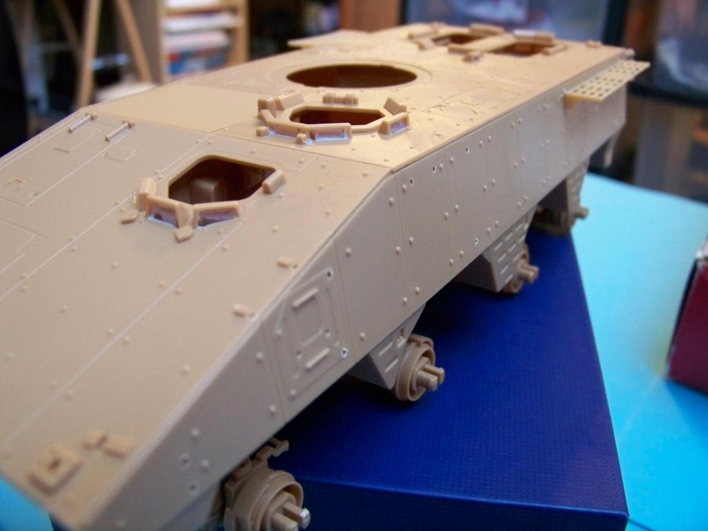 le véhicule blindé de combat ou VBCI de Heller au 1/35 102_6052