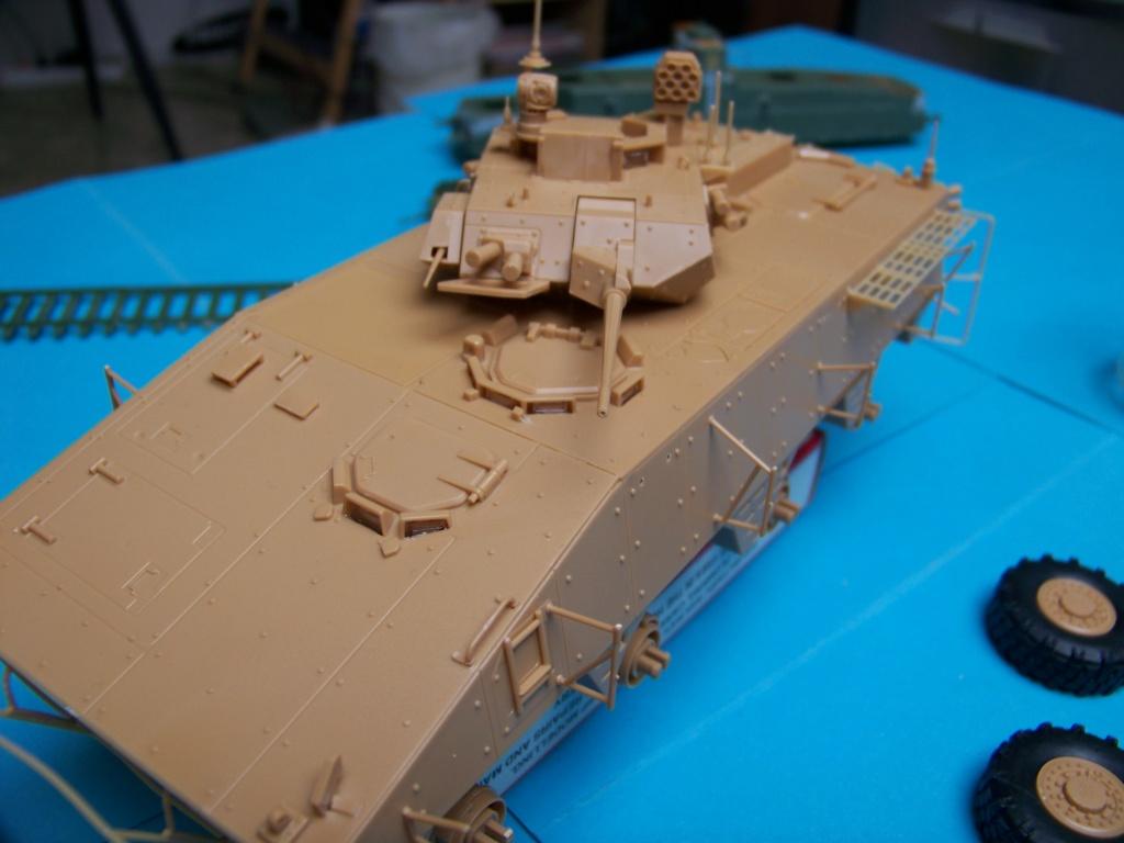 le véhicule blindé de combat ou VBCI de Heller au 1/35 102_6122