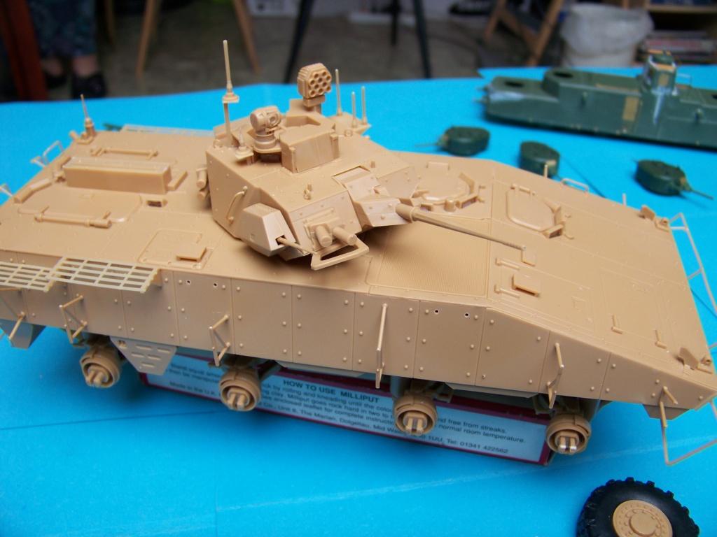 le véhicule blindé de combat ou VBCI de Heller au 1/35 102_6123