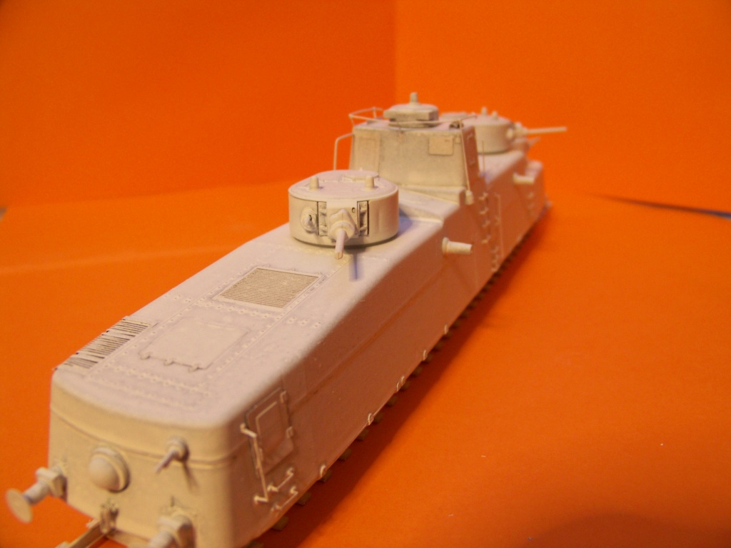 Motorized Armored Railcar MBV-2 au 1/72 de chez Military UM technics - Page 2 102_6126