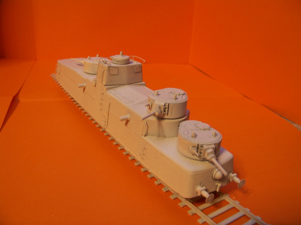 Motorized Armored Railcar MBV-2 au 1/72 de chez Military UM technics - Page 2 102_6127