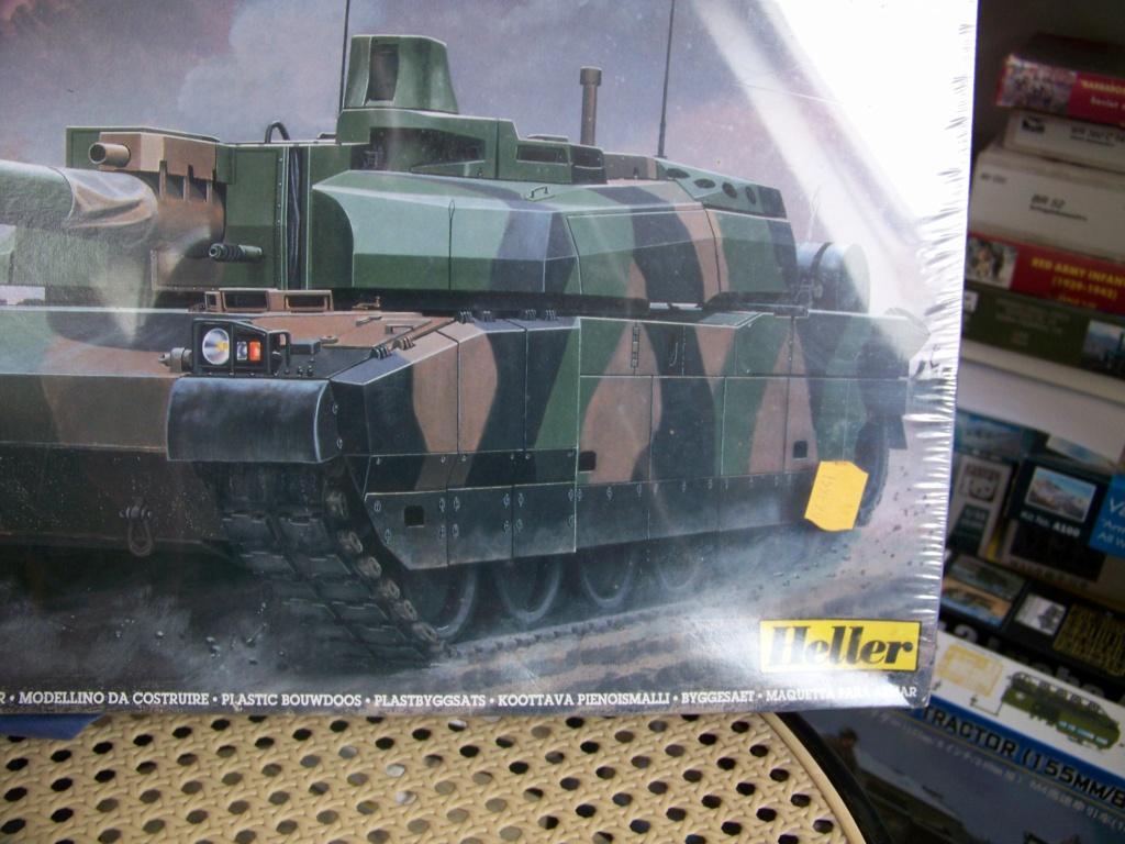 AMX 56 - LECLERC - HELLER 1/35 - FINI PAGE 7 - Page 2 102_6437