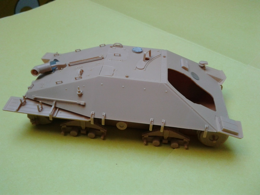 Jagdpanzer 38t Hetzer au 1/35 de Academy  Img_2203