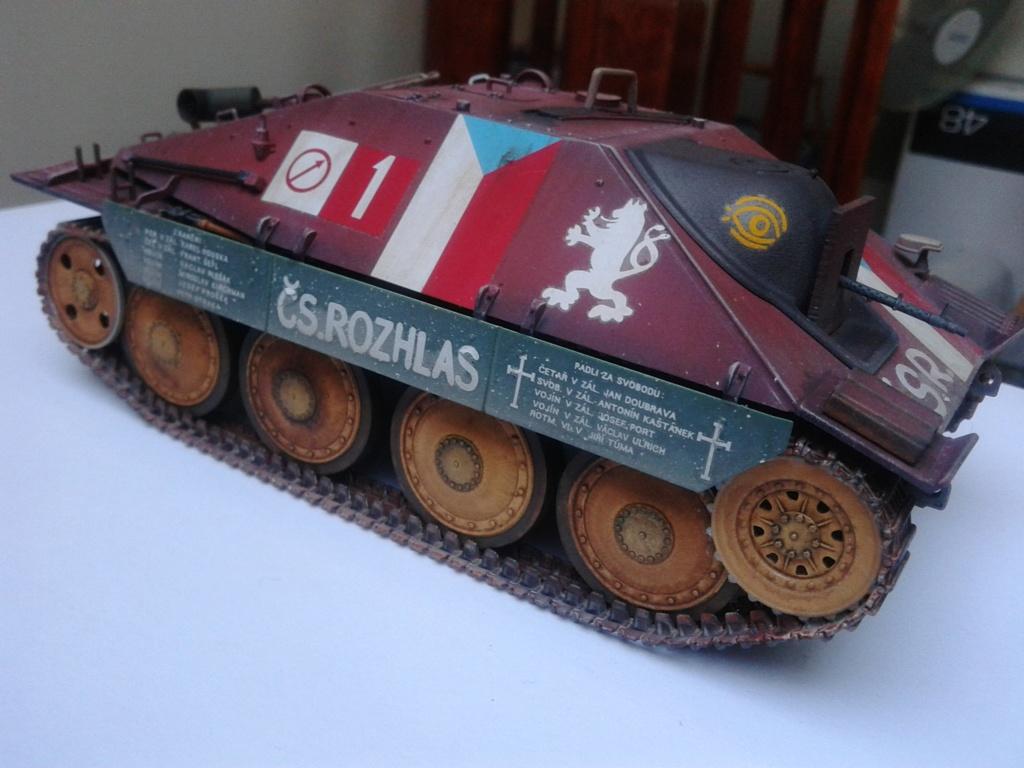 Jagdpanzer 38t Hetzer au 1/35 de Academy  - Page 2 Img_2232