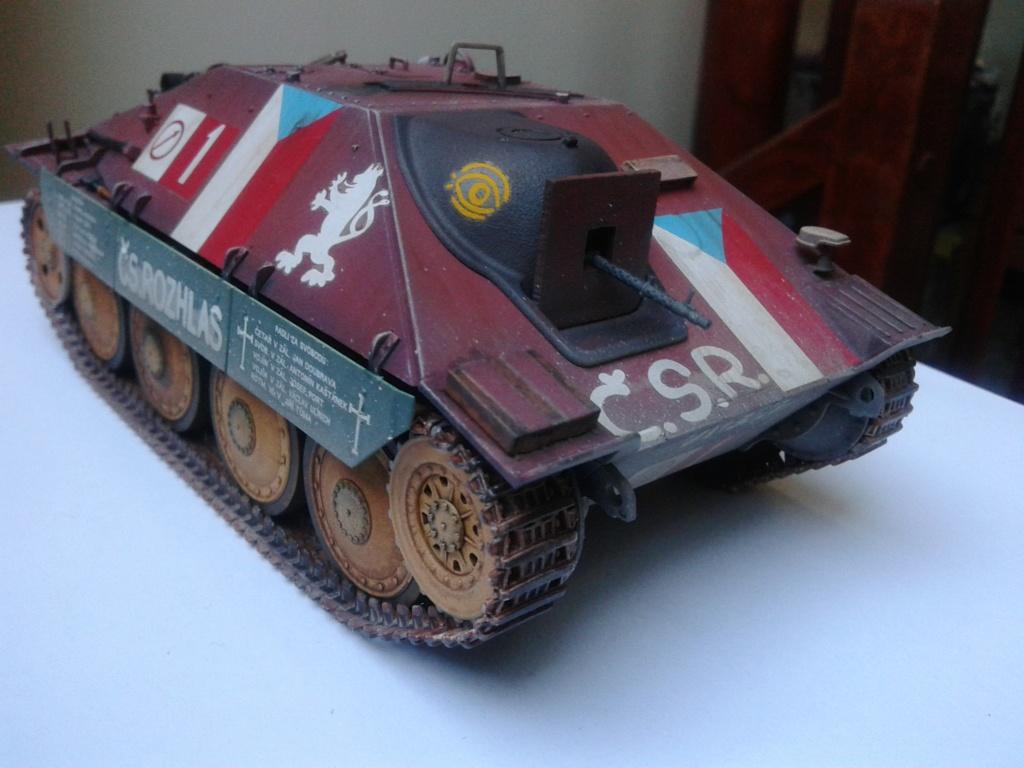 Jagdpanzer 38t Hetzer au 1/35 de Academy  - Page 2 Img_2233