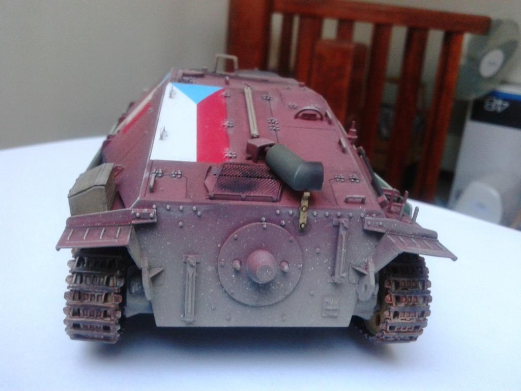 Jagdpanzer 38t Hetzer au 1/35 de Academy  - Page 2 Img_2235