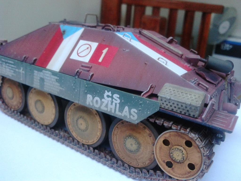 Jagdpanzer 38t Hetzer au 1/35 de Academy  - Page 2 Img_2236