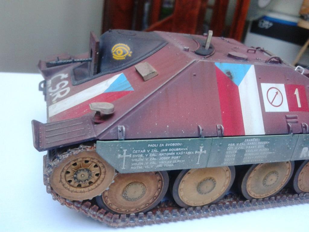 Jagdpanzer 38t Hetzer au 1/35 de Academy  - Page 2 Img_2237