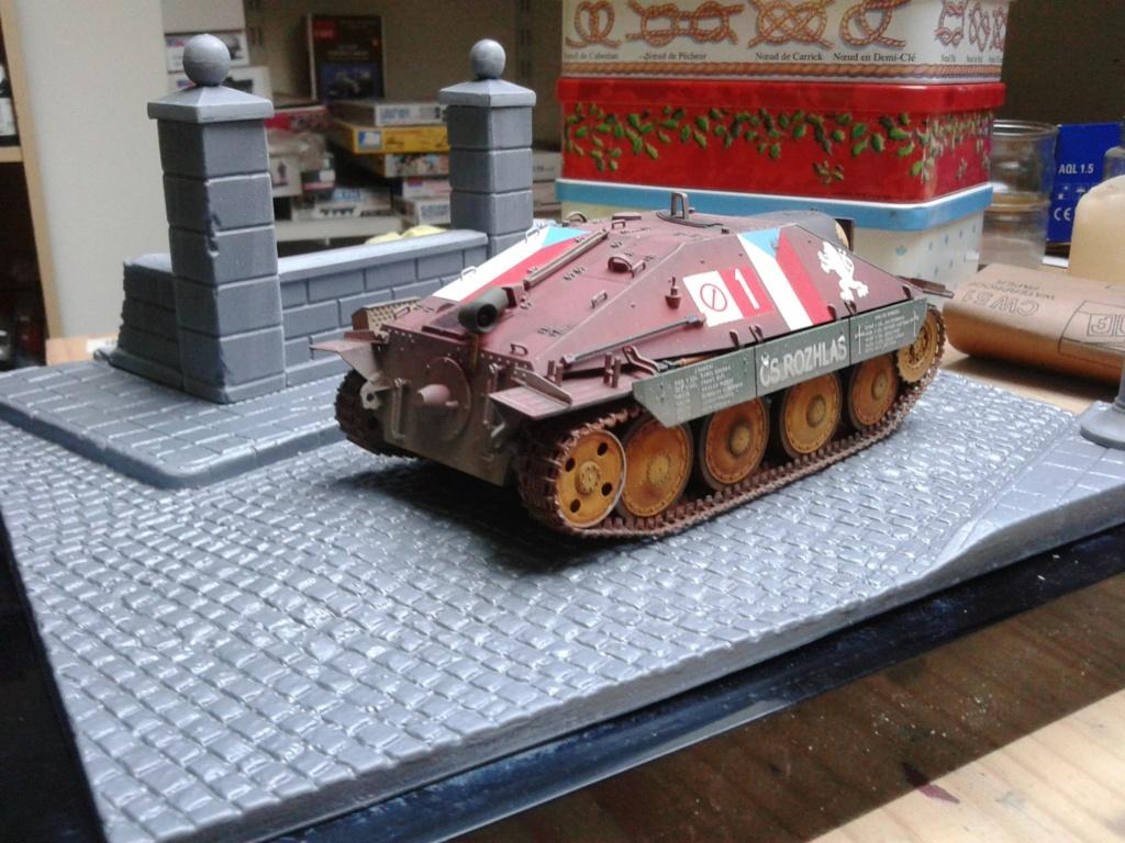 Jagdpanzer 38t Hetzer au 1/35 de Academy  - Page 2 Img_2289