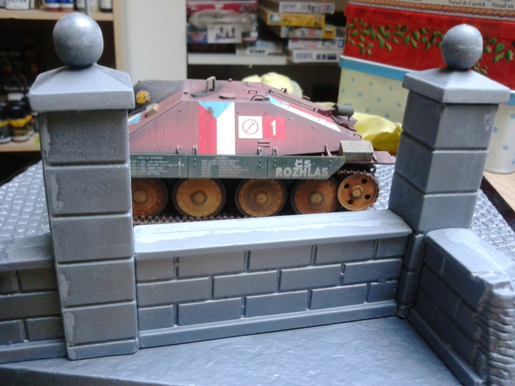 Jagdpanzer 38t Hetzer au 1/35 de Academy  - Page 2 Img_2291