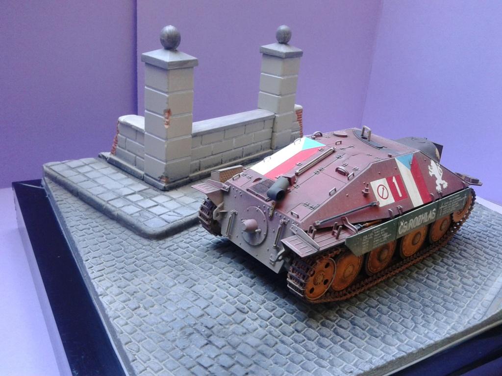 Jagdpanzer 38t Hetzer au 1/35 de Academy  - Page 3 Img_2303