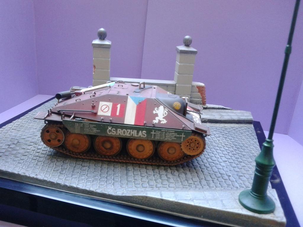 Jagdpanzer 38t Hetzer au 1/35 de Academy  - Page 3 Img_2305