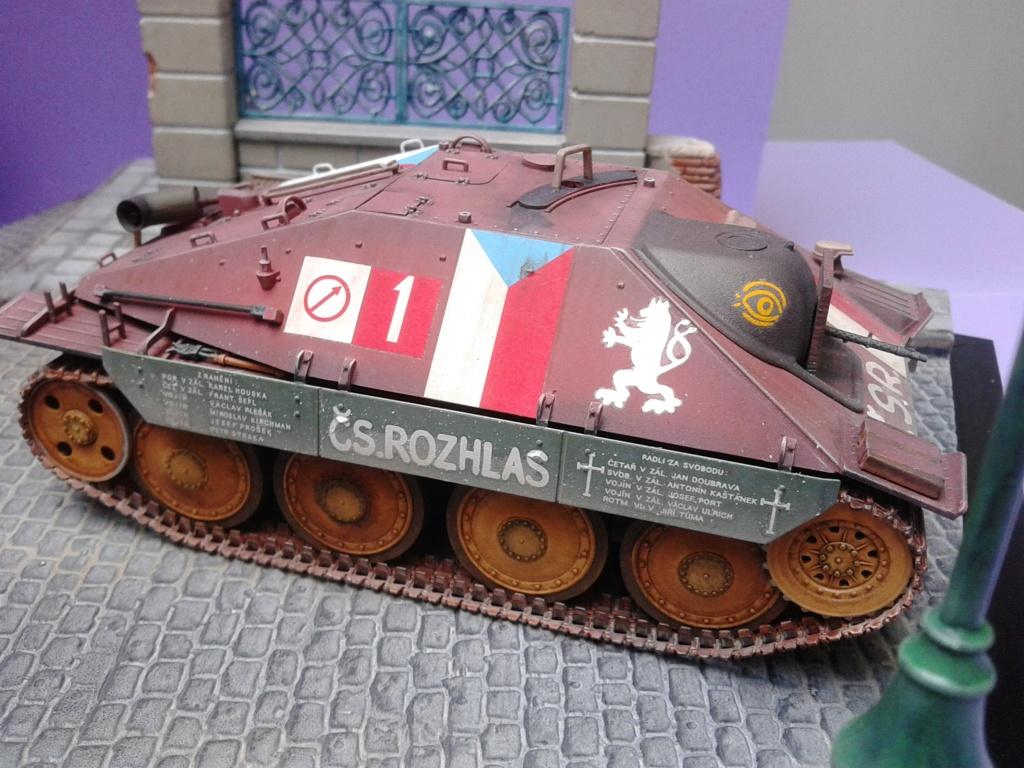 Jagdpanzer 38t Hetzer au 1/35 de Academy  - Page 3 Img_2317