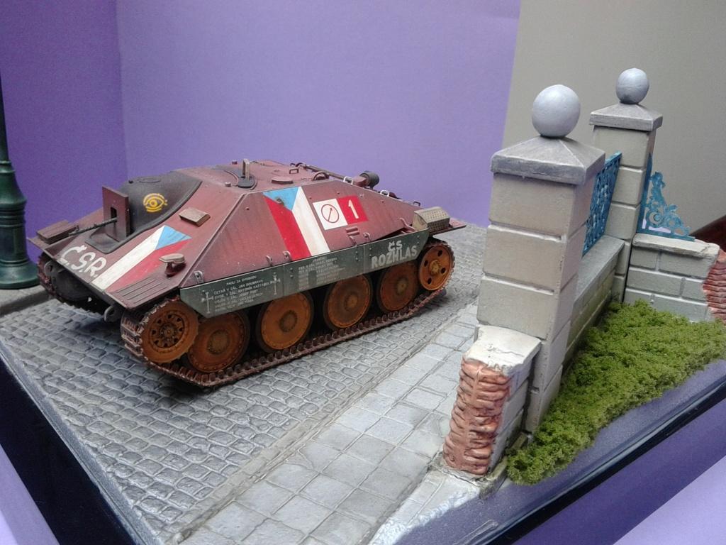 Jagdpanzer 38t Hetzer au 1/35 de Academy  - Page 3 Img_2321