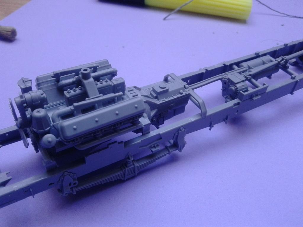 Howitzer D30 de 122mm au 1/35 de Trumpeter et Ural 4320 de zvezda - Page 2 Img_2328
