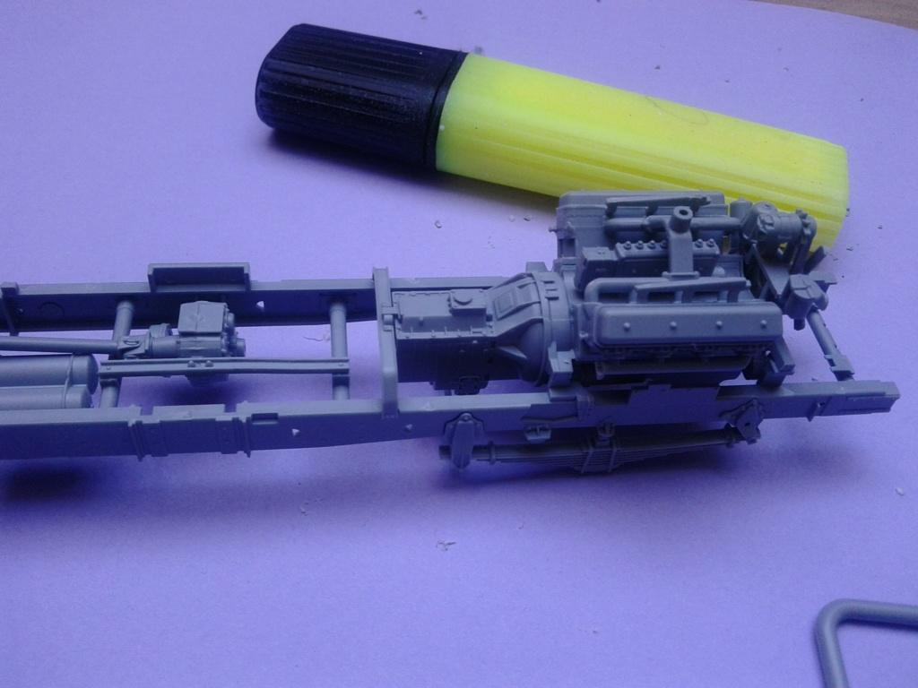 Howitzer D30 de 122mm au 1/35 de Trumpeter et Ural 4320 de zvezda - Page 2 Img_2330