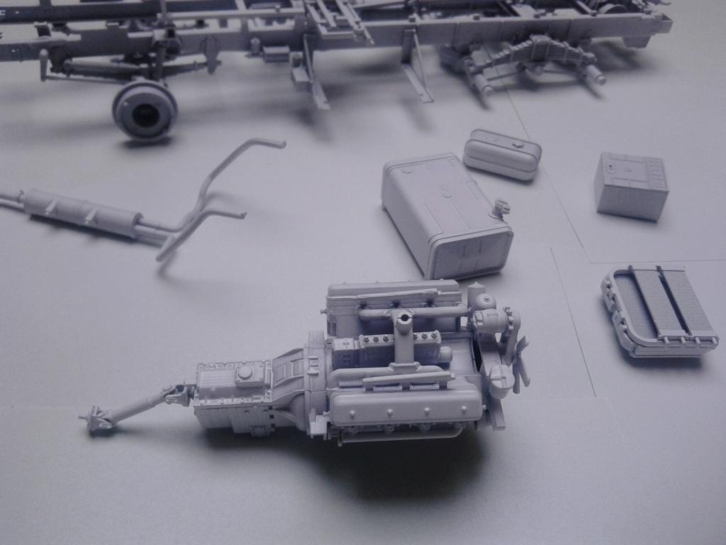 Howitzer D30 de 122mm au 1/35 de Trumpeter et Ural 4320 de zvezda - Page 2 Img_2359