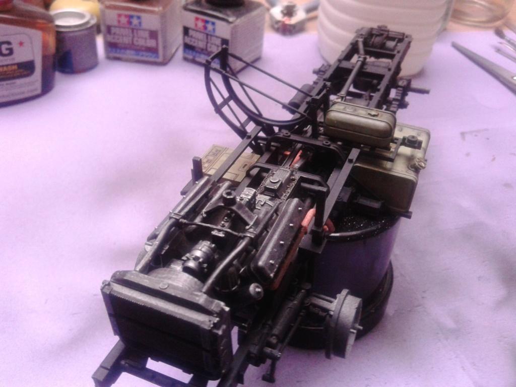 Howitzer D30 de 122mm au 1/35 de Trumpeter et Ural 4320 de zvezda - Page 2 Img_2374