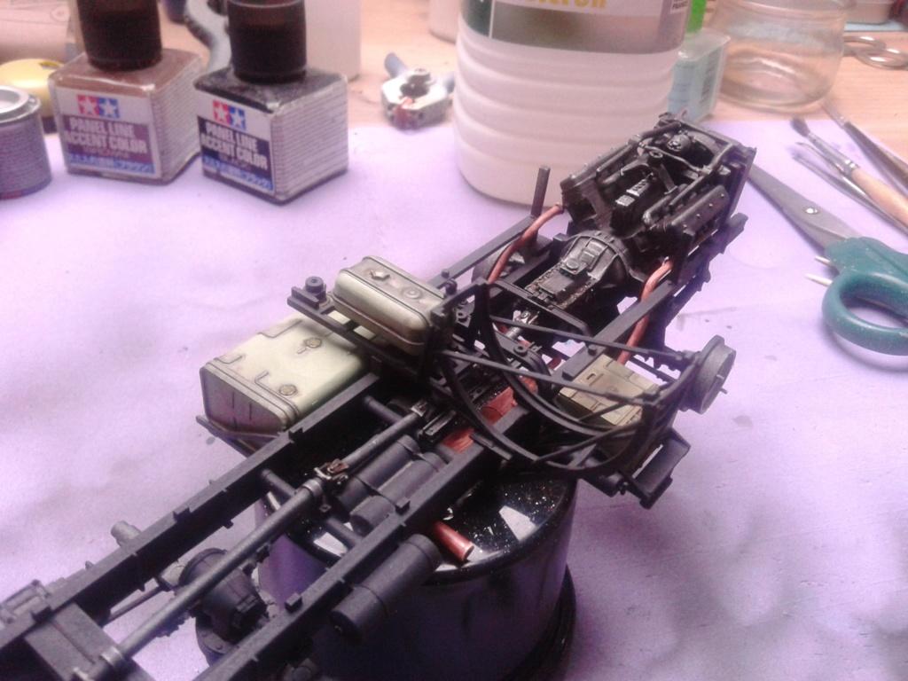 Howitzer D30 de 122mm au 1/35 de Trumpeter et Ural 4320 de zvezda - Page 2 Img_2375