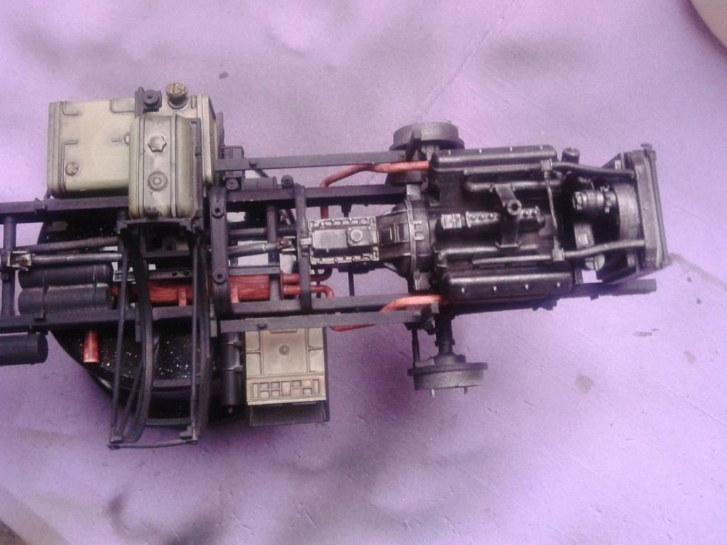 Howitzer D30 de 122mm au 1/35 de Trumpeter et Ural 4320 de zvezda - Page 2 Img_2377