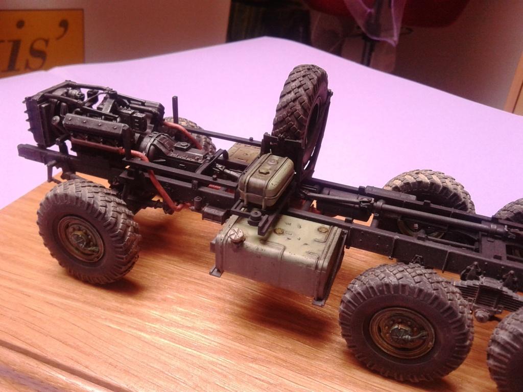 Howitzer D30 de 122mm au 1/35 de Trumpeter et Ural 4320 de zvezda - Page 2 Img_2378