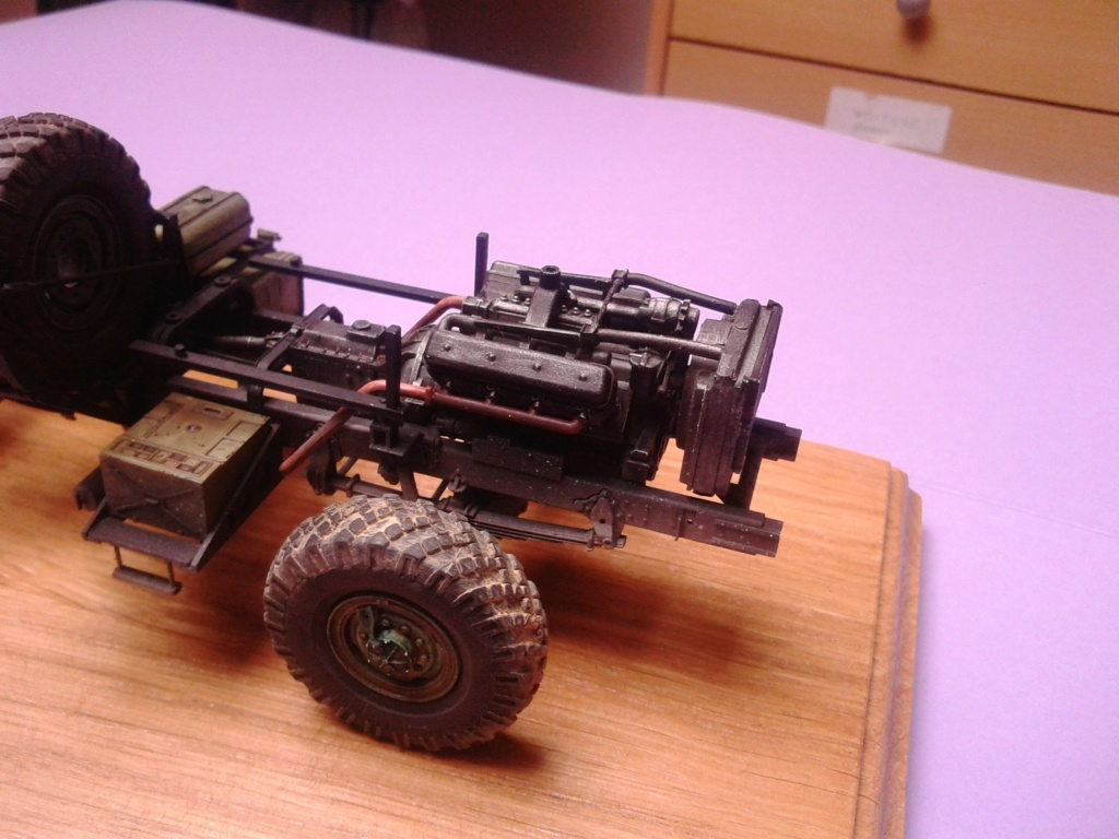 Howitzer D30 de 122mm au 1/35 de Trumpeter et Ural 4320 de zvezda - Page 2 Img_2380