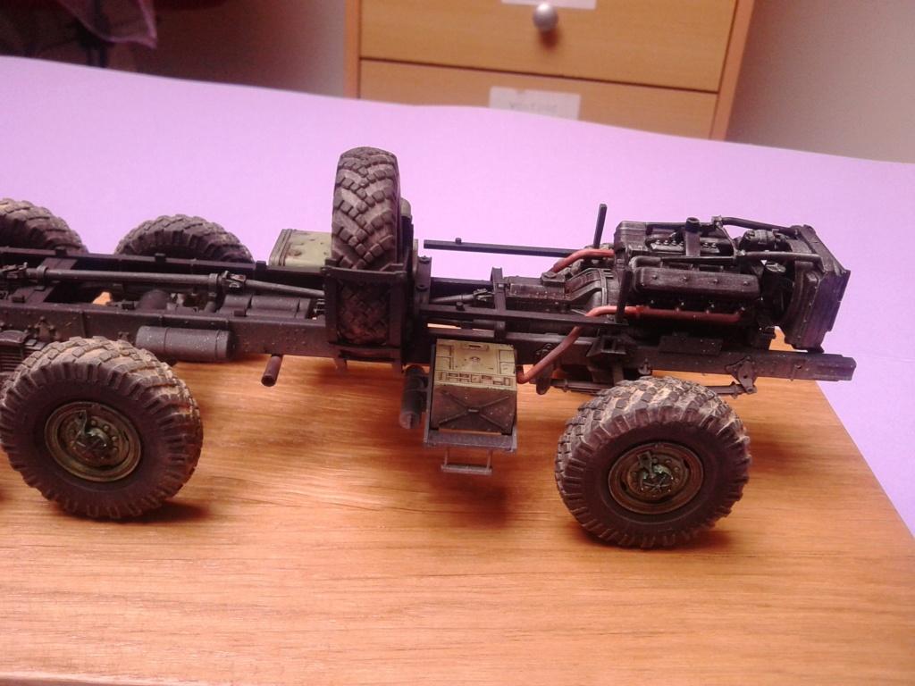 Howitzer D30 de 122mm au 1/35 de Trumpeter et Ural 4320 de zvezda - Page 2 Img_2382