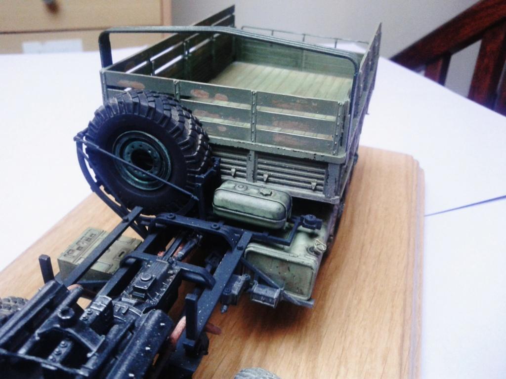 Howitzer D30 de 122mm au 1/35 de Trumpeter et Ural 4320 de zvezda - Page 3 Img_2386