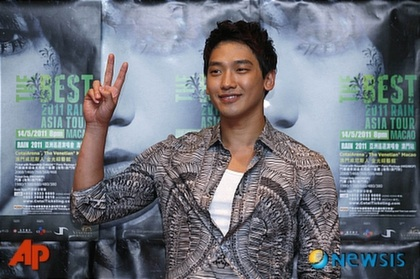RAIN @ conference de press a macao !!  29809410